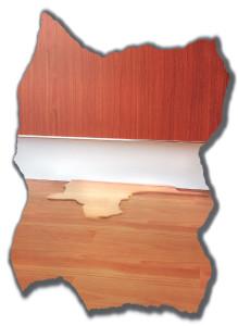 1PRO vuotohälytin kuva jossa kaapin alta tulee vettä parketille